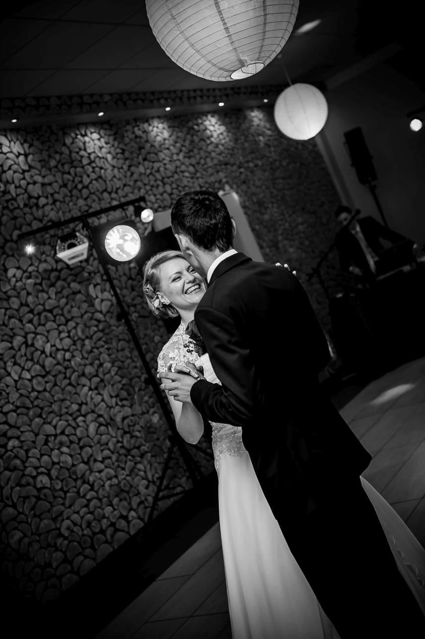 1 030 - Jesienna sesja ślubna