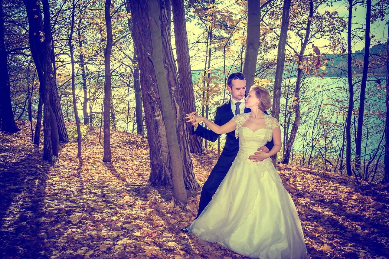 p 22 - Jesienna sesja ślubna