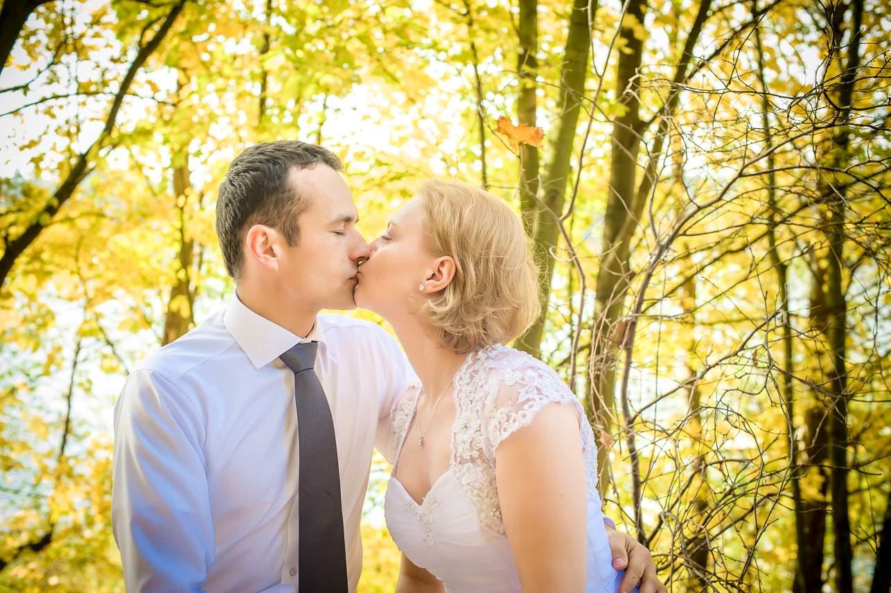 p 25 - Jesienna sesja ślubna