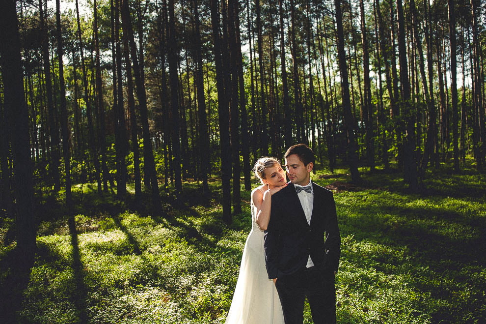 plener las 14 - Plener ślubny w lesie