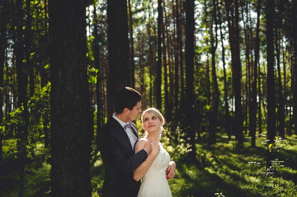 plener las 16 - Plener ślubny w lesie