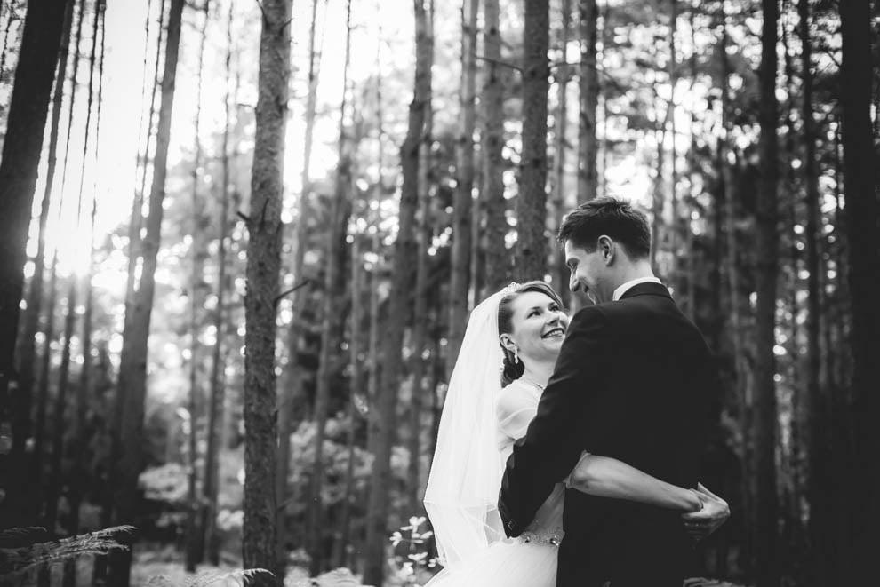 sesja slubna w lesie 10 - Sesja ślubna na łonie natury