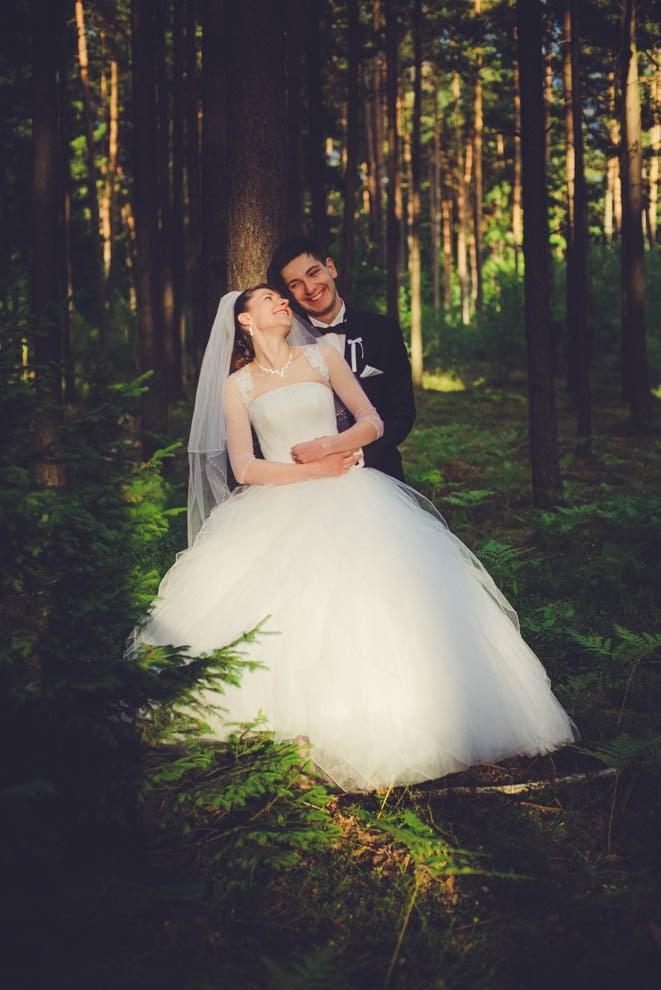 sesja slubna w lesie 11 - Sesja ślubna na łonie natury