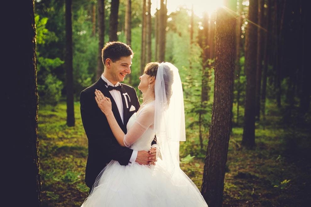 sesja slubna w lesie 14 - Sesja ślubna na łonie natury