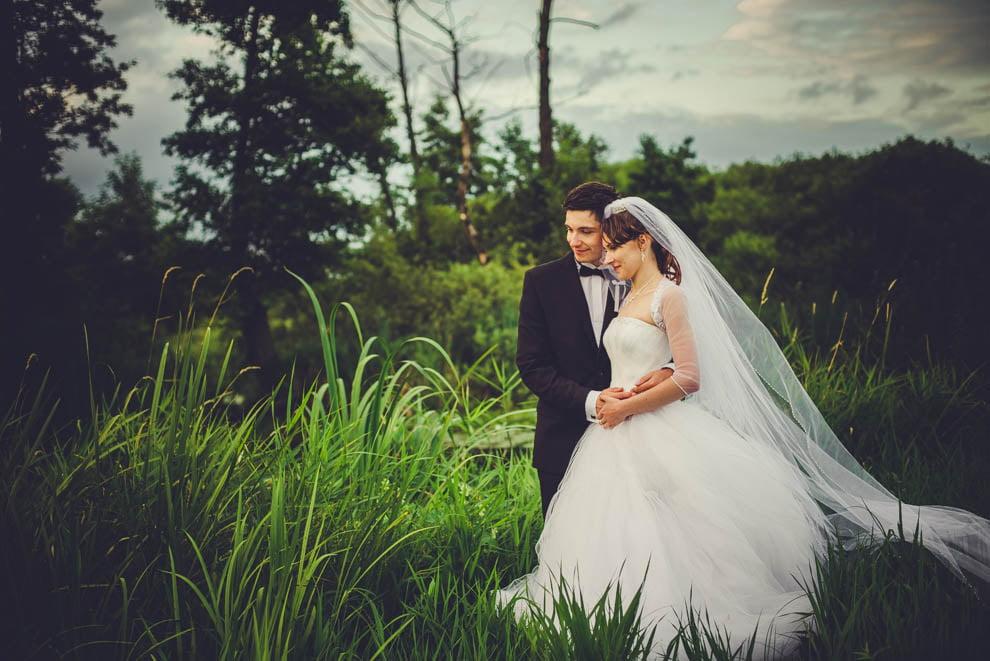 sesja slubna w lesie 19 - Sesja ślubna na łonie natury