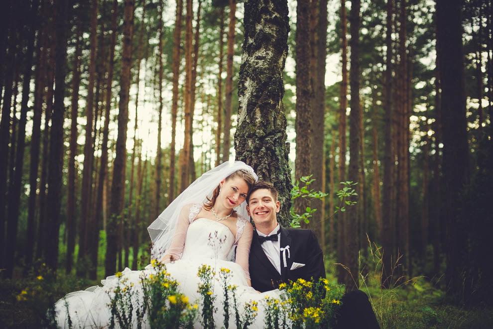 sesja slubna w lesie 3 - Sesja ślubna na łonie natury