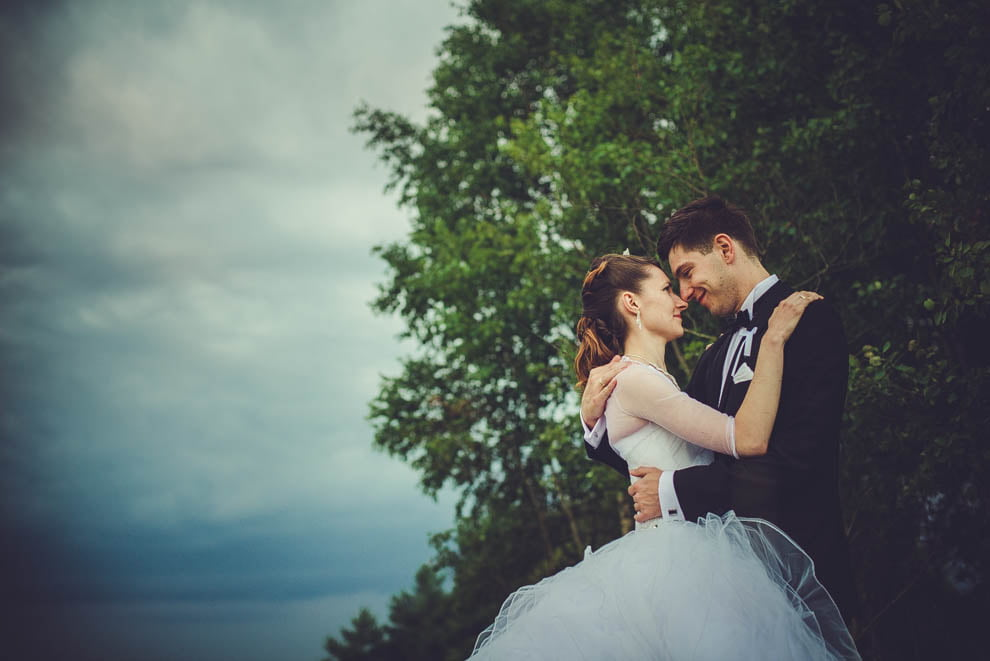 sesja slubna w lesie 30 - Sesja ślubna na łonie natury