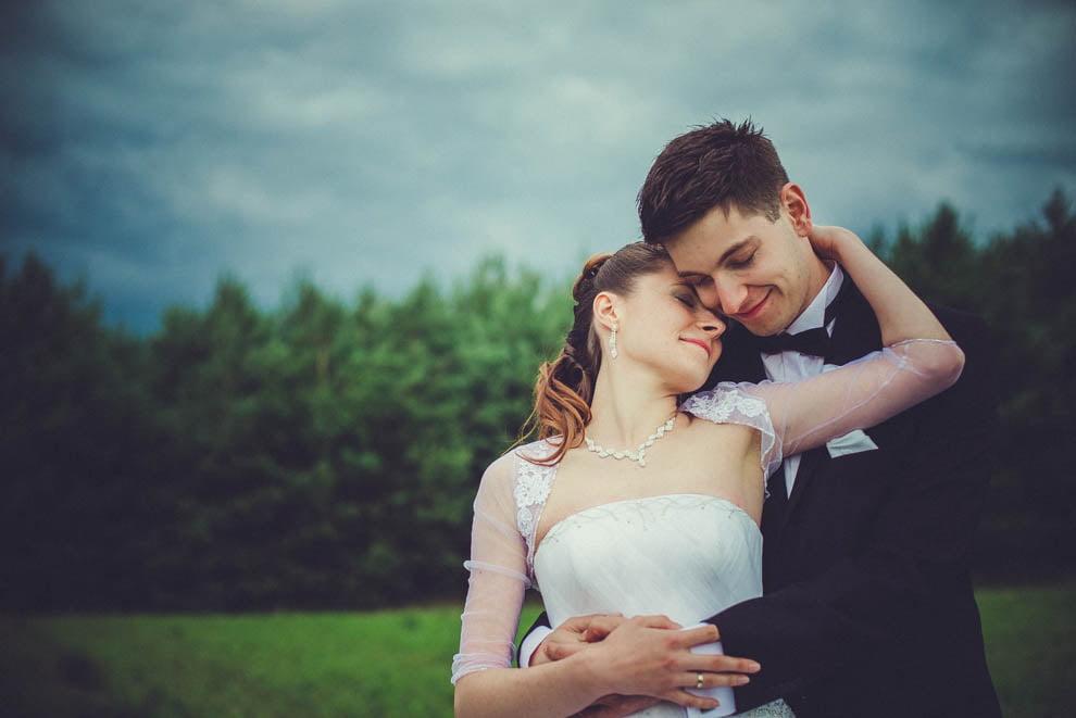 sesja slubna w lesie 31 - Sesja ślubna na łonie natury