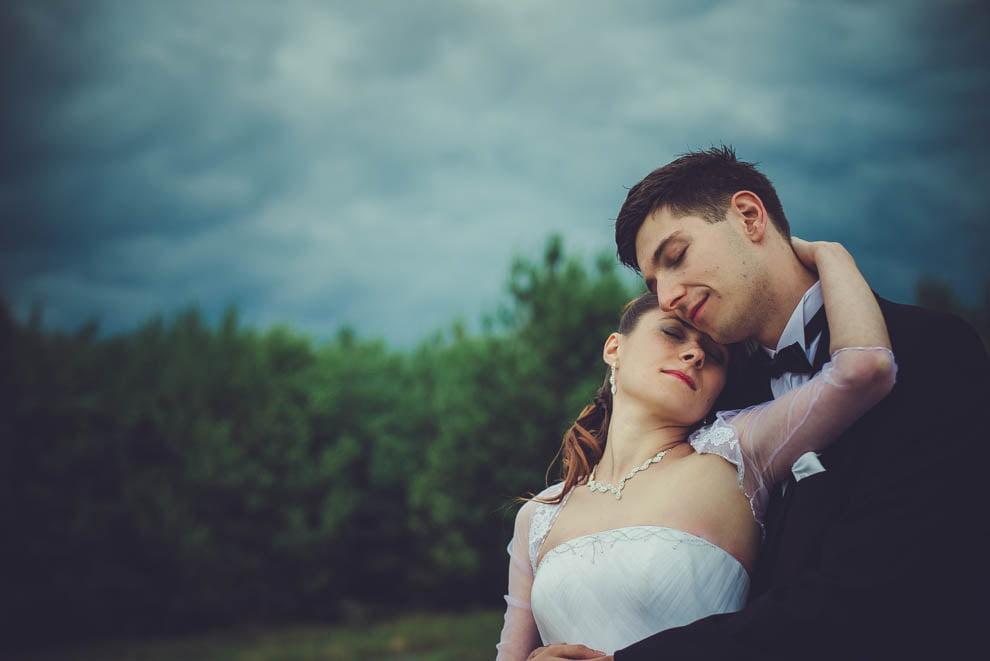 sesja slubna w lesie 33 - Sesja ślubna na łonie natury
