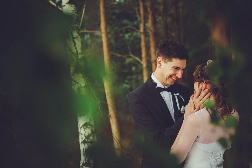 sesja slubna w lesie 35 - Sesja ślubna na łonie natury