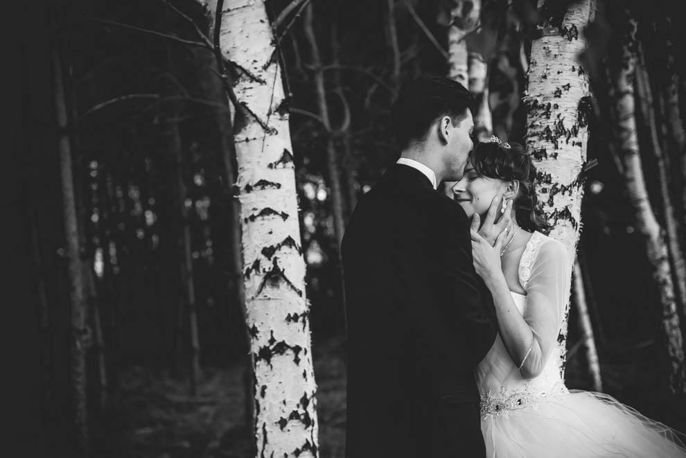 sesja slubna w lesie 36 - Sesja ślubna na łonie natury