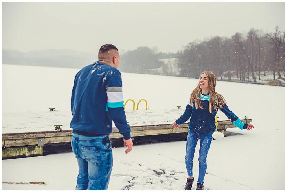 DSC 9841 - Zimowa sesja narzeczeńska w Górznie
